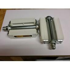 pedalen wit met reflector ( geen Franse draad )
